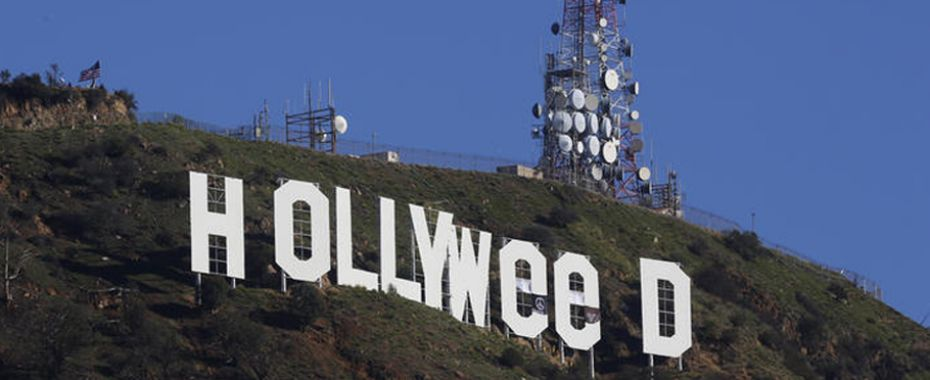 Hollywood Sign Becomes HOLLYWEED Again