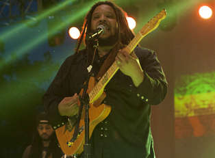 Marleys Roots Rock the Baked Apple