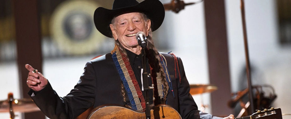 Willie Nelson Reveals Details of Recent Operation