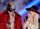 Snoop Dogg & Ke$ha Get Blunted