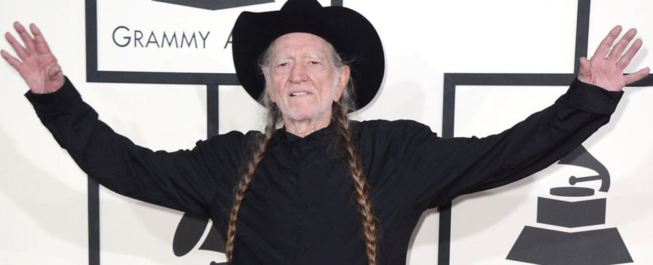 Willie Nelson Wins His 10th Grammy at 2020 Award Show